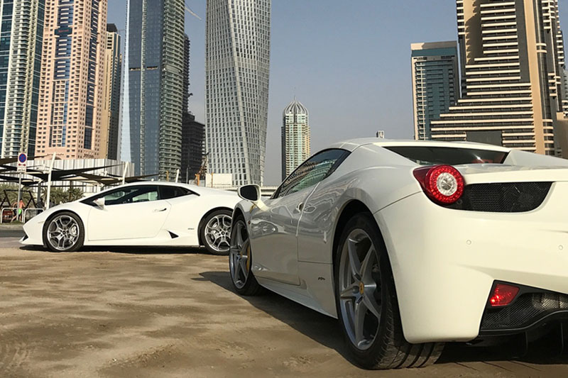 Hire an Experienced Car Rental Dubai Service for Comfortable Transfers